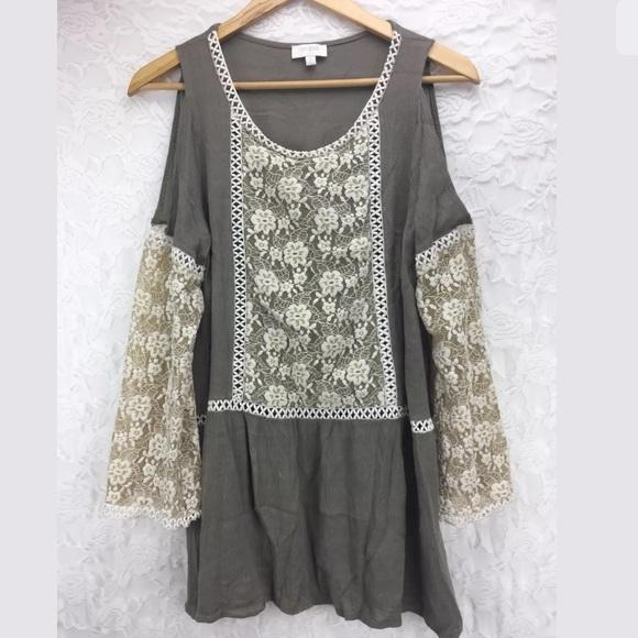 449634296d855 Umgee Floral Lace Crochet Cold Shoulder Boho Tunic.  M 5b63c7e1194dadc675ec420c